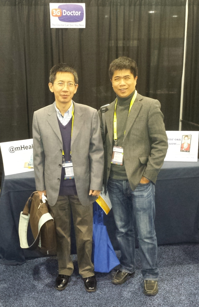 China Mobile Scientists visit the 3GDoctor booth #mHealth13