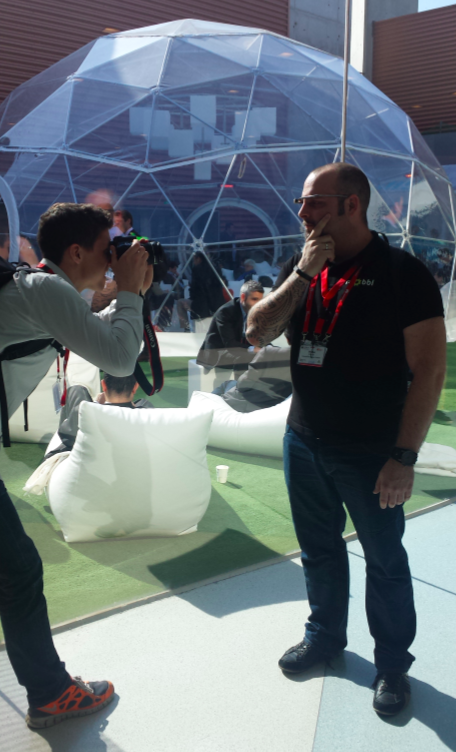 Google Glass Explorer in the wild getting stopped by Journalists desperate to keep their editors happy