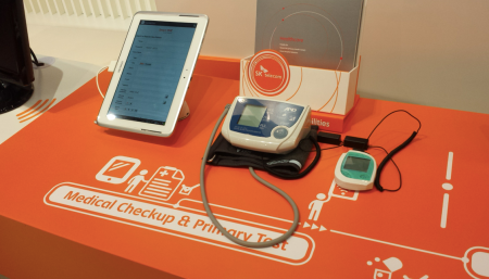 SKTelecom smartphone connected medical devices MWC14